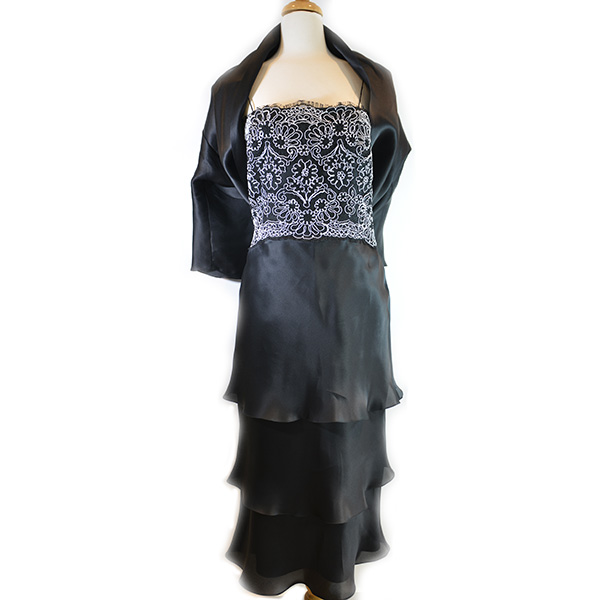 On sale pre-owned Frascara Midi Silk Dress with shawl, fully lined, with black and white lace upper detail and pleated lower.
