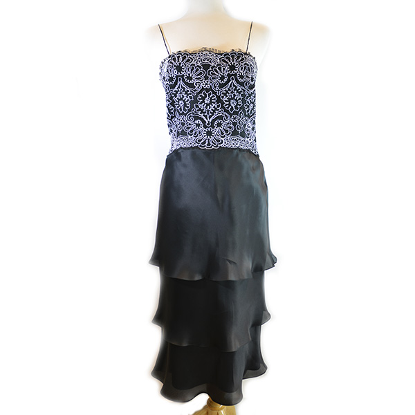 On sale pre-owned Frascara Midi Silk Dress without shawl, with black and white lace upper detail and pleated lower.