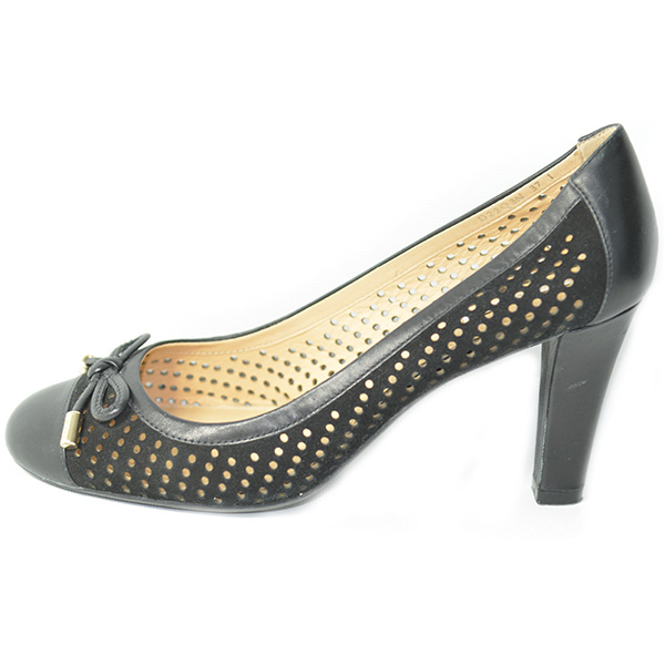 On sale pre-owned black, slip-on style Geox Leather Mesh Pumps, with bow detail.