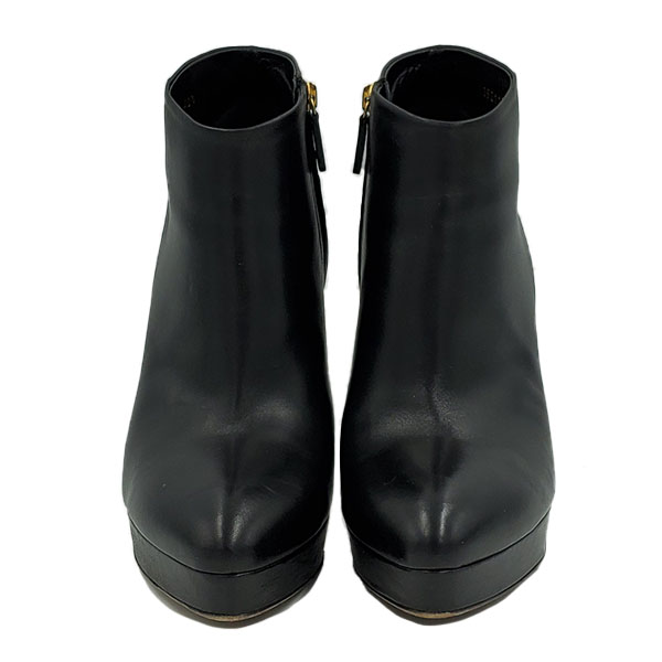 Front view of pre-owned Gucci Black Ankle Booties.