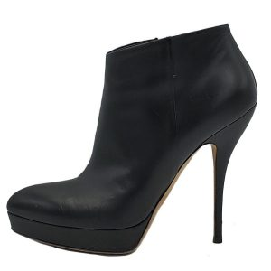 Pre-owned Gucci Black Ankle Booties with side zip closure and gold-tone hardware.