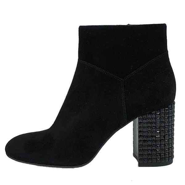 On sale pre-owned Michael Kors Suede Leather Booties, with gunmetal zipper and embellishment block heels.
