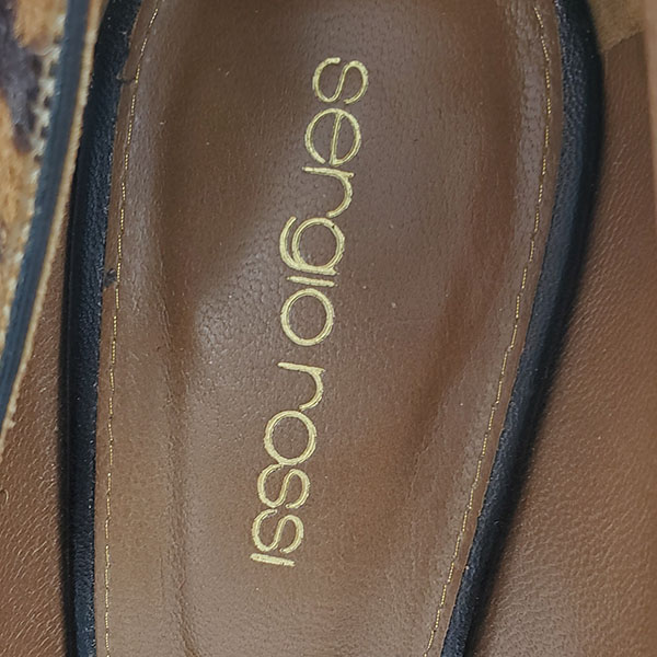 Logo of on sale pre-owned Sergio Rossi Leopard Print Pumps.