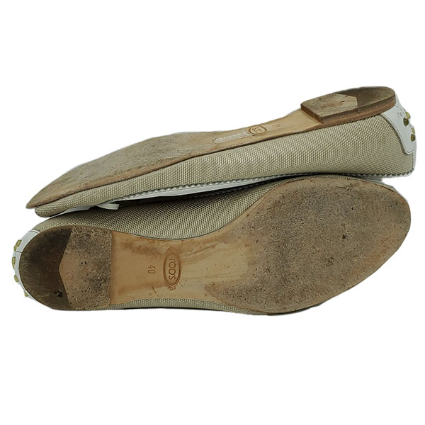 Soles of pre-owned Tod's Crisscross Slippers.
