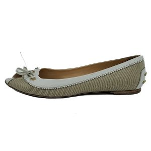 Pre-owned Tod's Crisscross Slippers in off-white, with bow in front.