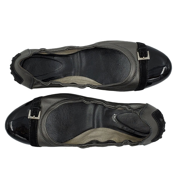 Top view of pre-owned Tod's Leather Flats in black and grey, with rounded toe.