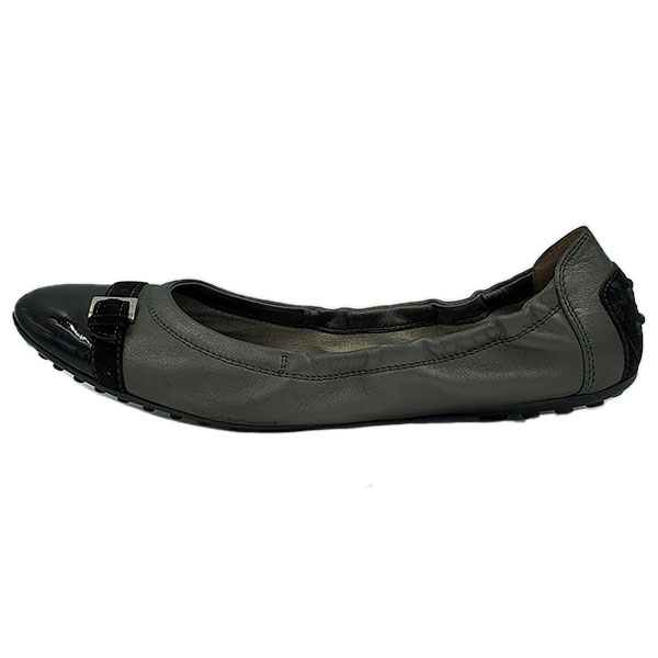 Front view of pre-owned Tod's Leather Flats in black and grey.