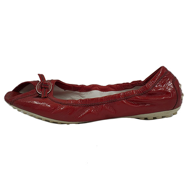 On sale pre-owned Tod's Leather Square Toe Flats in red, with bow in front.