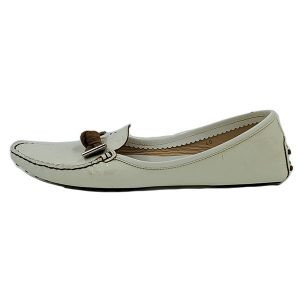 Pre-owned Tod's Patent Leather Loafers in white, with brown bow and silver hardware.