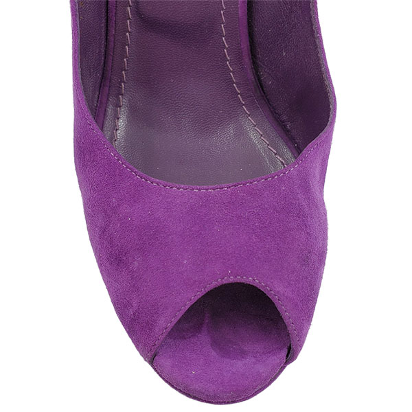 Close up front view of on sale pre-owned Yves Saint Laurent Peep-toe Platform Pumps in purple.