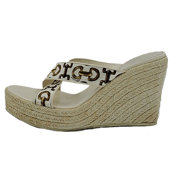 Pre-owned Gucci Printed Espadrille Wedges in ivory, with braided jute heels.