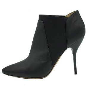 Pre-owned Jimmy Choo Leather Pointed Toe Booties in black, with elastic on the sides.