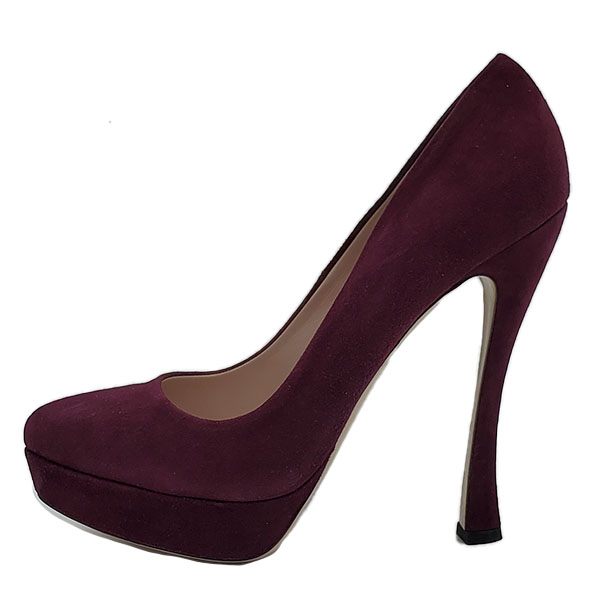 Pre-owned Miu Miu Suede Platform Pumps in purple, with thick heels and slightly pointed toe.