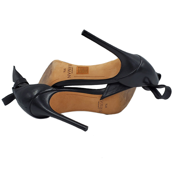Soles of pre-owned Alexandre Birman Leather Strappy Heels.