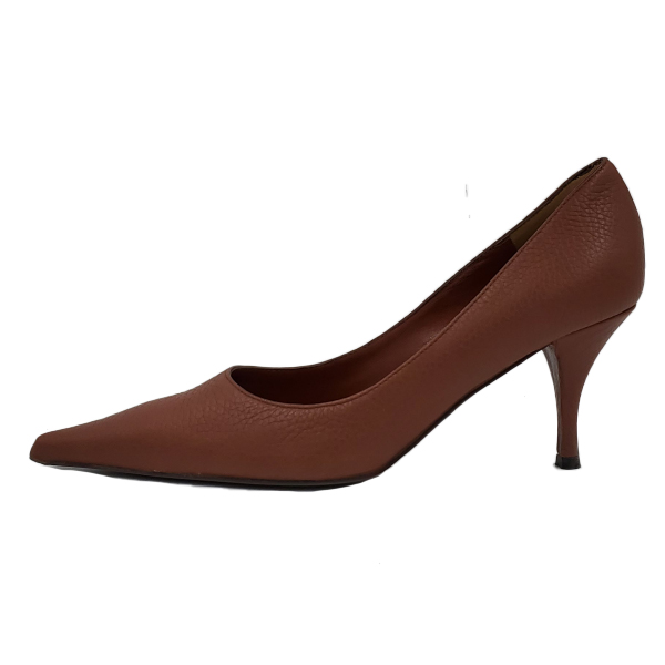 Pre-owned Bruno Magli Leather Pointed Toe Pumps in brown, with pointed toes.