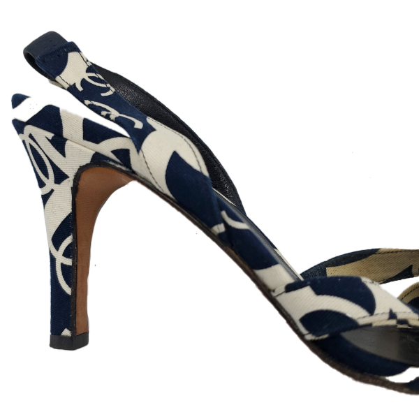 Close up back view of pre-owned Chanel Vintage Canvas Printed Sandals in navy and white.
