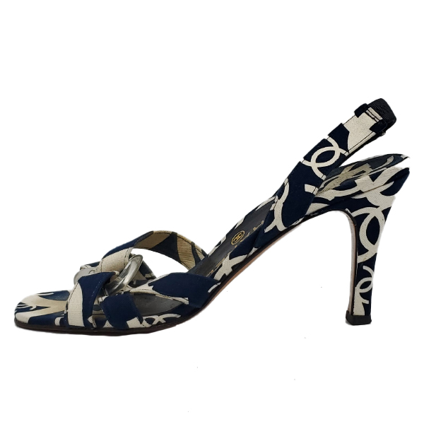 Pre-owned Chanel Vintage Canvas Printed Sandals in navy and white.