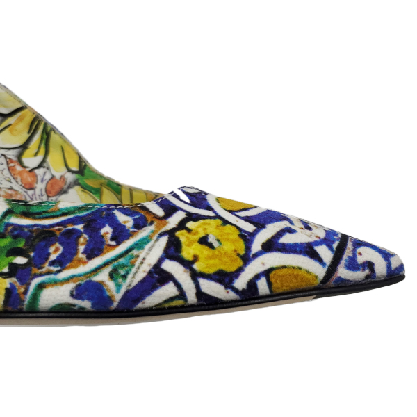 Close up front view of pre-owned Dolce & Gabbana Slingback Broccato Multicolour Sandals with pointed toe.