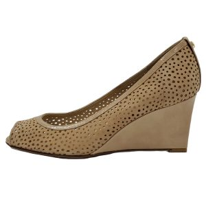 Pre-owned slip-on Stuart Weitzman Perforated Peep-toe Wedges in nude.