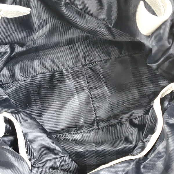 Interior of pre-owned Burberry Leather Hobo Bag.