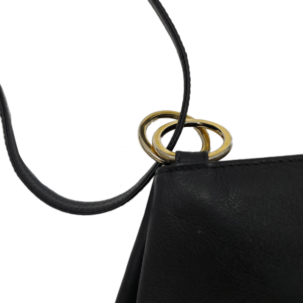 Paloma Picasso Vintage Leather Shoulder Bag - close up strap